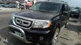 Extreemely sharp and sound firstbody 010 Honda pilot with chilling AC