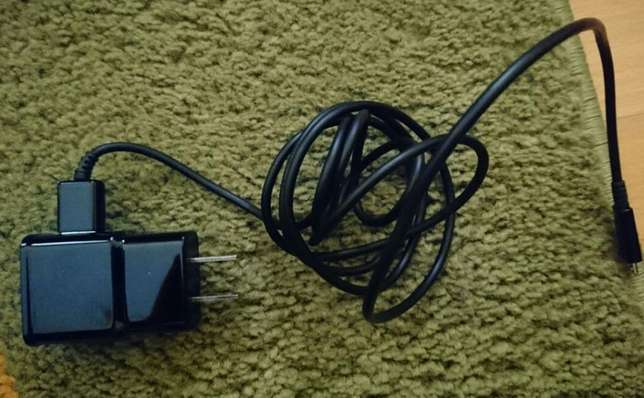 Brand new Samsung wireless charger, never used Lavington - image 2