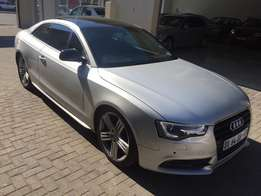 2009 Audi A5 2.0T Coupe // So stunning!