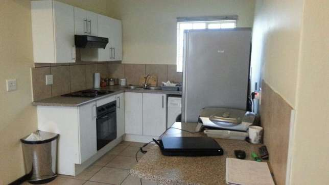 Room Available in a 2-bedroom Apartment in Northgate, JHB Northgate - image 1