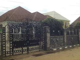 Tastefully finished 5 B/R Bungalow on Arab Rd, Kubwa, close 2 the Road