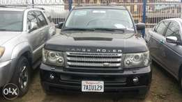 Super clean Tokunbo Range Rover Sport 2006 model