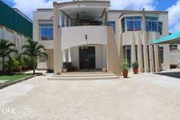 Beautiful 5 bedroom villa in Nyali for sale Ksh 100million
