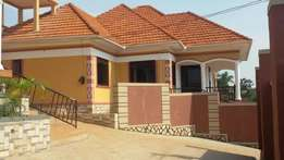 Built On 18 Decimals, Seguku katale 4km From Entebbe Rd, 4 Bedrooms