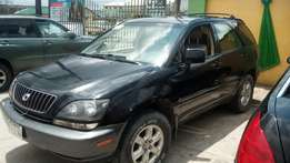 Black Lexus rx 300 for sale at give away price