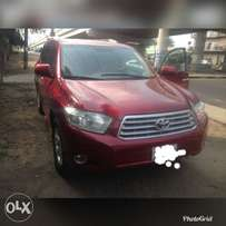 2008 Toyota Highlander maroon red for sell in Portharcourt