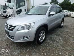 VW Tiguan Year 2010 Model Automatic Transmission 4WD Silver Color