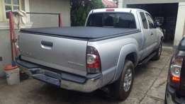 Tacoma 2013 model very clean buy and drive