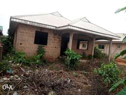 2 flats for sale located at sapele road