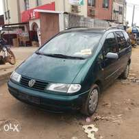 Registered Volkswagen Shaelron - 2000