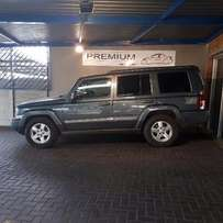 2006 Jeep Commander 5.7 Limited.