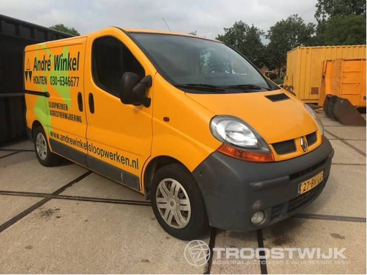 Renault Trafic 1.9 dCi 100 - 2005 - image 2