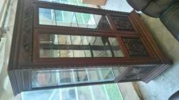 Pure mahogany state of the art classic finishing cardboard with glass