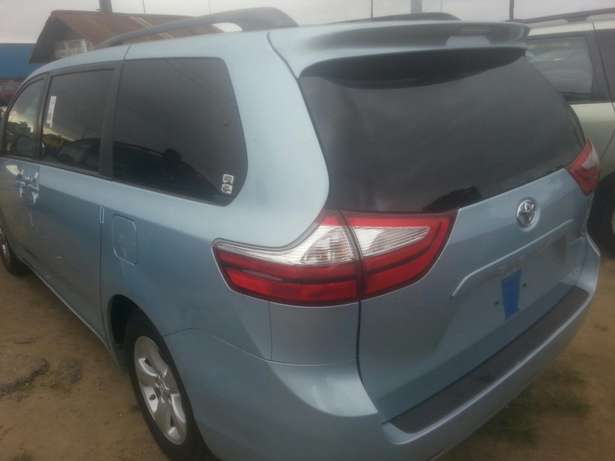 Tincan cleared tokunbo toyota sienna 014 Apapa - image 6