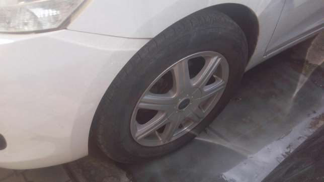 Very clean Toyota Belta On Sale Mombasa Island - image 4