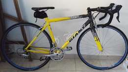 Second Hand 50cm Giant Road Bike for Sale