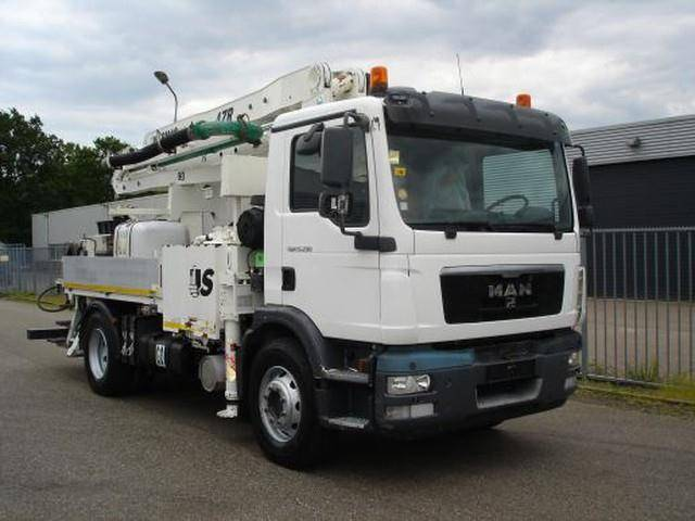 MAN TGM 15.290 4X2 SERMAC 4ZR20 CITY CONCRETE PUMP - 2011