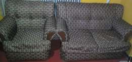 Fine 2 seater and 1 seater in a clean condition at 250k only.