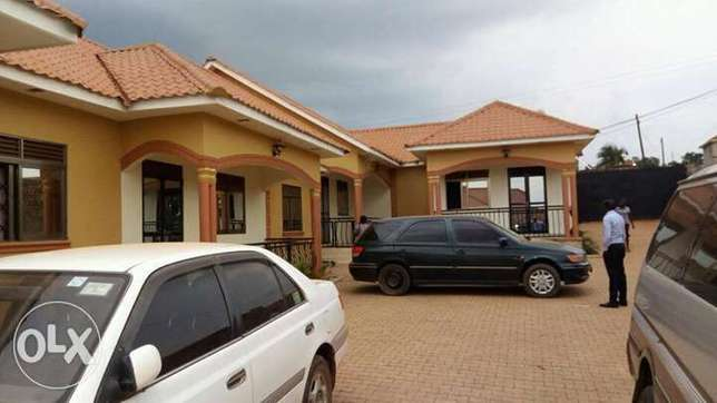 Acute double self contained for rent in kisaasi kyanja at 320,000= Kampala - image 1