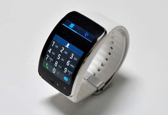 samsung gear s white at 15,000ksh Eldoret North - image 3