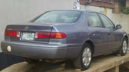 Clean used toyota camry(drop light)