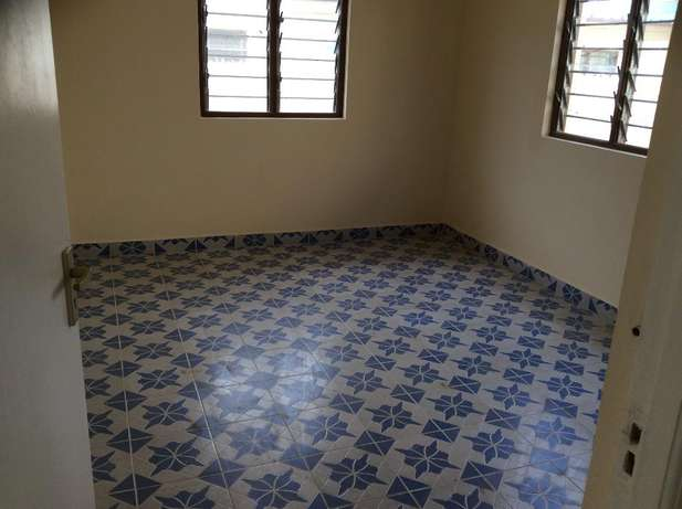 Eloquent 2 bedroom Own compound Bungalow FOR SALE Kiembeni Mombasa Island - image 6