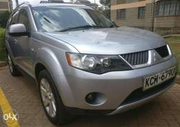 Mitsubish Outlander (Sun-roof & Leather seats)