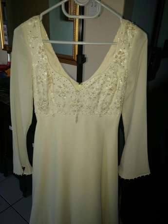 Cream Wedding Dress size 6 Port Elizabeth - image 2