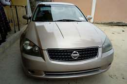 Foreign used Nissan Altima, 2006 model.