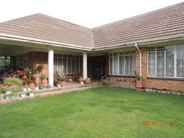 Amazing 5 bedroom house for sale in Warden Free state.