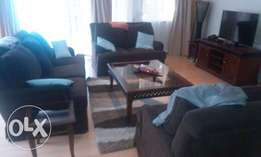 Elegantly fully furnished and serviced apartment 3 bedrooms to let
