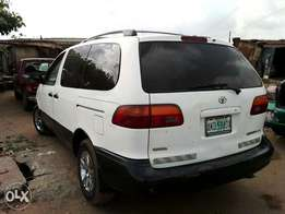 A clean and neatly used Toyota Siena for sale at an affordable price,