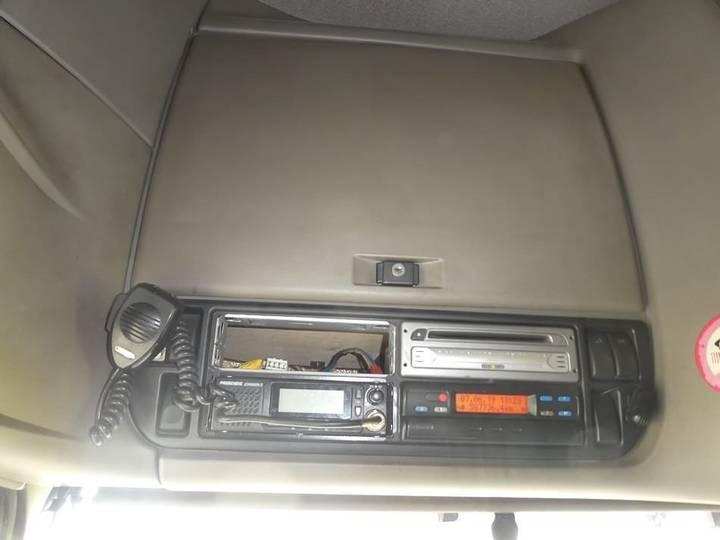 DAF XF 105.410 ssc e5 analog tacho - 2006 - image 8