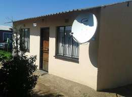 Property for sale in protea glen ext 11 up for R480 000