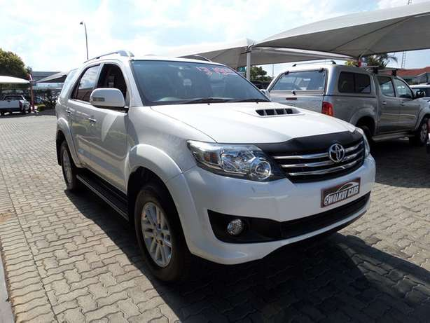 2011 Toyota Fortuner 3.0 D-4D A/T Newcastle - image 2
