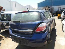 2005 OPEL ASTRA H 1.6 MANUAL Breaking for Spares.