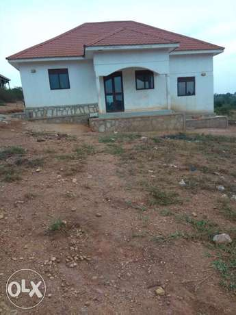 Gayaza, nice complete interior bungalow of three bedrooms on sell Kampala - image 1