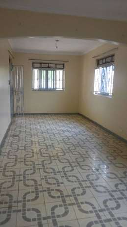 Three bedroom stand alone house for rent in najera at 750k Kampala - image 6