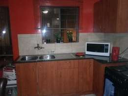 2 bedrooms available in a 3 bedroom flat in Jabulani Manor