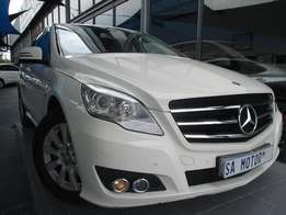 2011 Mercedes Benz R 300 Automatic SWB