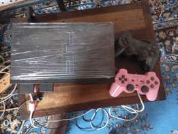 Playstation ps 2, two original pad n games in flash drive