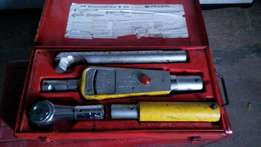 Facom heavey duty torque wrench in good condition asking R4500