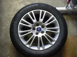 17 inch Mag and Tyre to fit on Ford Kuga