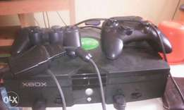 Hacked xbox 180, with 87gig hd, 20 xbox games installed inside etc.