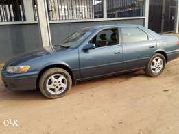 Toyota Camry Drop light. 6 months used urgent sale, clean, first body