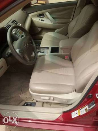 Mint Tomato Red 2008 Toyota Camry LE with neat leather & custom alloys Abule Egba - image 6