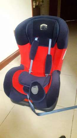 Car seat for 5 month to 5 years old child Lavington - image 1
