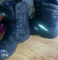 Rock fall boots/saftey boots/classy boots