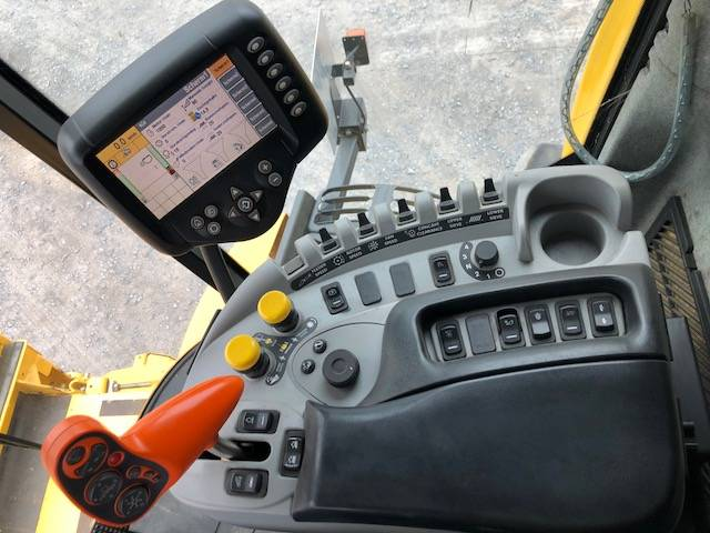 New Holland CX 8090 - 2008 - image 11