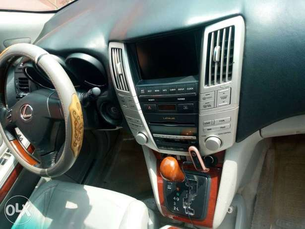 Very clean less than a year registered lexus rx330 Asaba - image 7